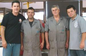 Guto Arruda, coordenador de mkt Kremer, os técnicos Walter e Cláudinei e o lojista Chopp Kremer de Campinas, Tales Okamoto